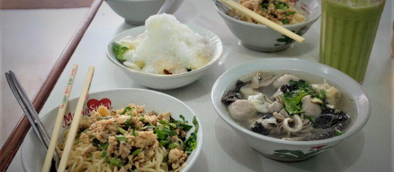 5 Makanan Legendaris yang Wajib Dicoba di Bandung